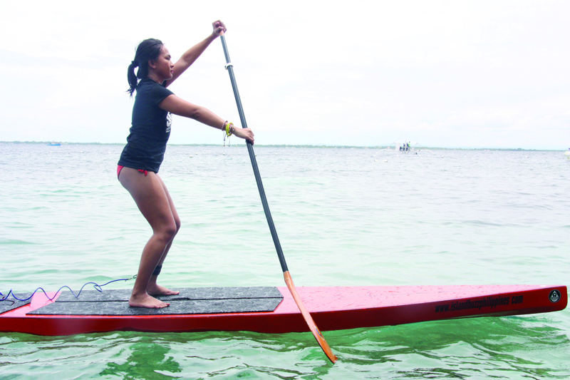 How to stand on the paddle