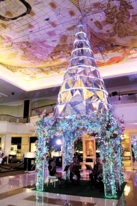 A modern-style Christmas tree with glass motif.
