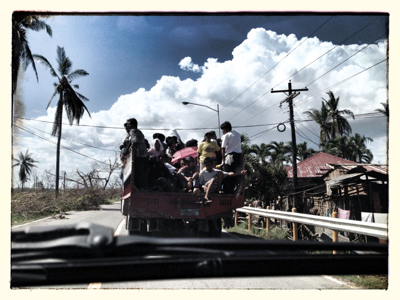 SEARCHING. Evacuees fleeing their hometowns to find water and food after the wrath of super typhoon Yolanda.