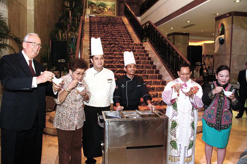 Hans Hauri, Dawnie Roa, Chef Jun Abangan, Chef Carlos Dingding, Msgr. Roberto Alesna and Jessica Avila: the first serving of taho