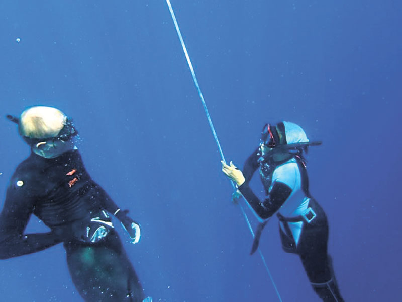 Wolfgang Dafert of Freediving-Philippines training a student