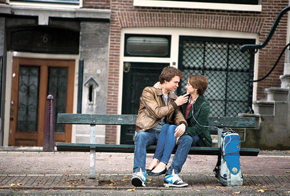 Movie-Review-The-Fault-in-Our-Stars