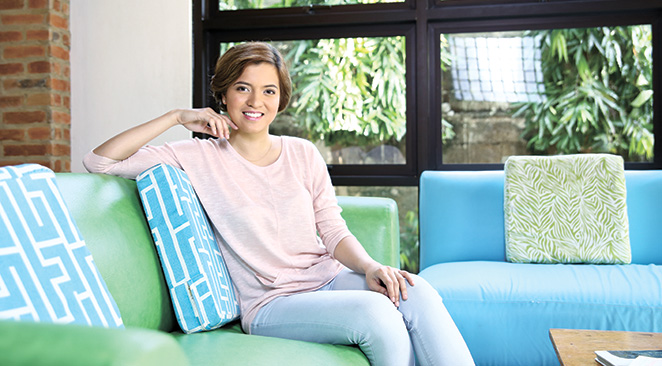 ALL THE RIGHT MOVES. With a philosophy degree and modeling experience tucked under her belt, Essa Santos made her big move to Cebu and put her analytical skills and stunning looks to good use in her profession.