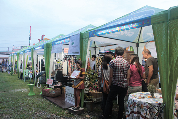 Various fair merchants