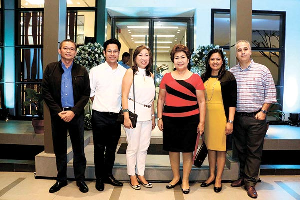 Filinvest Land Inc. VP for strategic and business development Allan Alfon, Filarchipelago Inc. assistant vice president Francis Gotianun and Filinvest president and CEO Josephine Gotianun-Yap