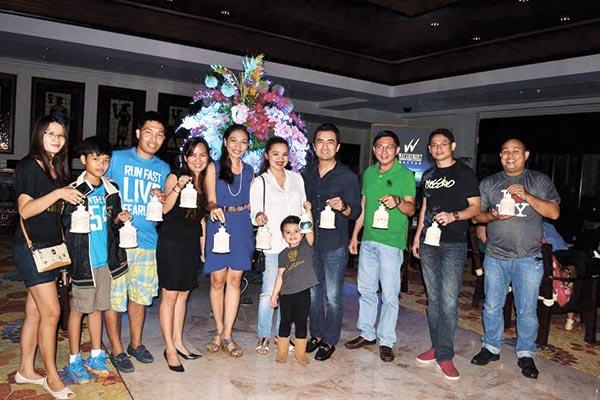 Oscar Alicaway and his family, Maridel Sugarol, Hanski Garcia, Hotel Manager Benhur Caballes and family, Johnrey Ricafort, Rex Yap, and Augustine Dimataga
