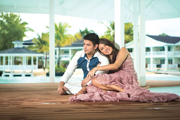 Pre-wedding concept, Plantation Bay. Strobe light mixed with ambient light.