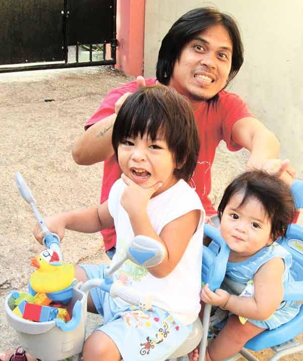 Insoy Niñal and his boys