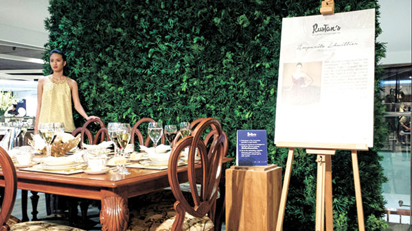 The dining display by philantrophist and society pillar Amparito Lhuillier that highlights a classic sit down French dining setting using the brand Noritake.
