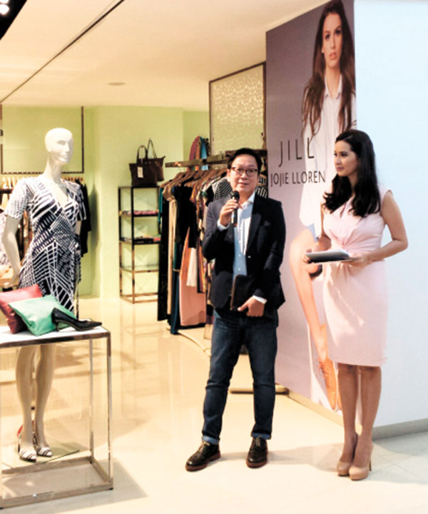 JILL AND LUNA. Renowned designer Jojie Lloren discusses his creations under Jill and Luna, a Rustan's brand that caters to the contemporary and stylish woman. With Lloren is event host Karly Henry.