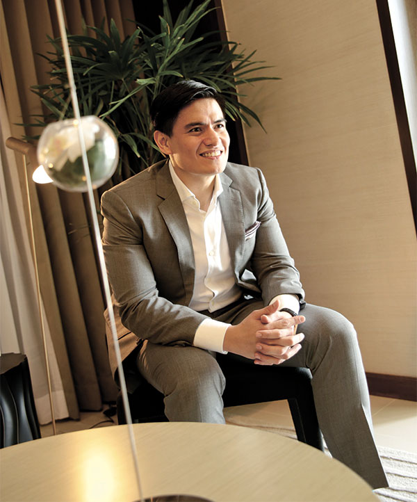 IDEAL MAN. Allan Ong Jr. is one gentleman who carries with him an ideal mix of elegance and passion in the lucrative but highly competitive field of real estate sales.