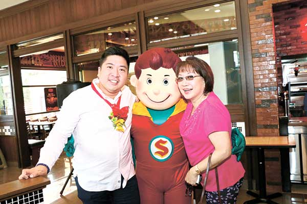 Allen Tan, Captain Shakey's and Marlinda Angbetic Tan