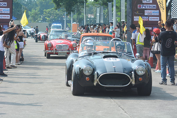 FOR A SPIN. The Michel Cobra Replica is one of the 25 classic cars that enthusiasts from Cebu and Manila took for a 1,000-kilometer spin during the second Tour de Cebu.