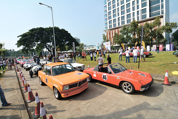 Classic cars ready to roll out for the 1,000 kilometer Tour de Cebu 2015. (SUN.STAR PHOTO/ AMPER CAMPAÑA)