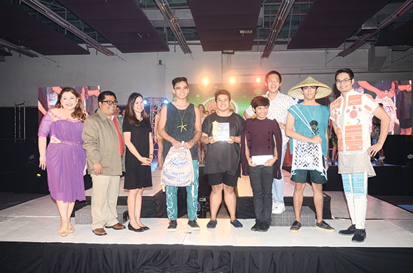 BEST IN BAG DESIGN. Last year's champion University of the Philippines-Cebu won Best in Bag Design and Best in Accessories Design categories and is this year's second runner up.