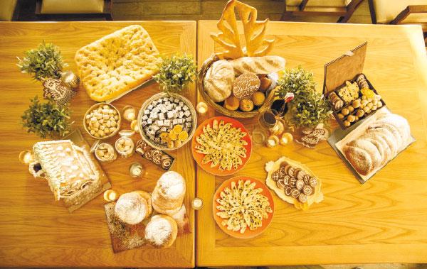 Anzani's Christmas Bread Station