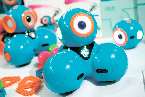 WONDERBOT. Dash, a robot from Wonder Workshop, is among the robots and video games designed to teach kids as young as five the basics of coding. (AP PHOTO)