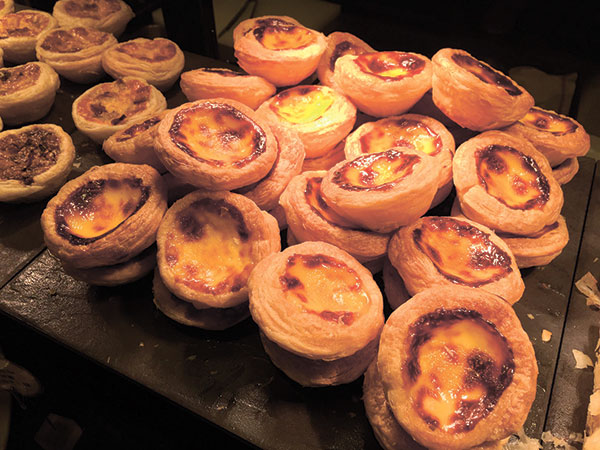 Portuguese egg tarts at the breakfast buffet of Cafe Marco.