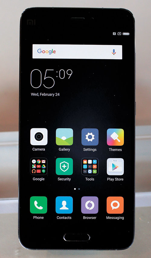 FAST, LIGHTWEIGHT. Chinese's leading smartphone maker Xiaomi has unveiled its new flagship device, the Mi 5, which it says is fast and lightweight. (AP PHOTO)