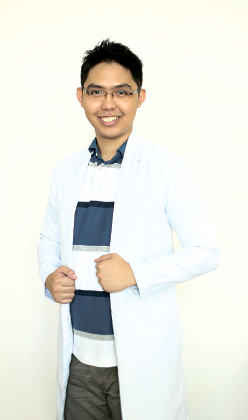 TOP OF THE WORLD. Dr. Al Patrick Alajas was determined to make it to the top 10 in the March 2016 Physician Licensure Examination, but little did he know he'd take the top spot.