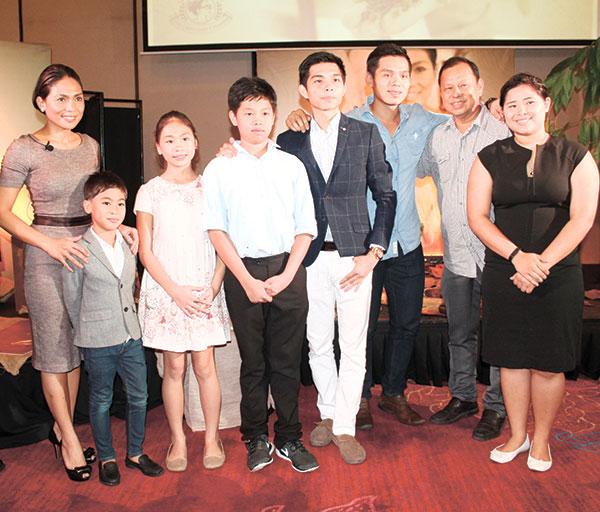Raquel Choa and family