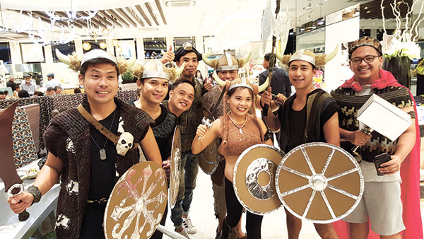"HUMANS VS. FOOD. These awesome guests geared up like vikings to avail themselves of the 50 percent off ""Dress Like a Viking"" promo at the grand opening of Vikings SM City Cebu last May 10."
