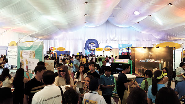 Guests and exhibitors of the Best of Cebu 2015 Lifestyle Bazaar pack Best Function Venue Oakridge Pavilion at the Oakridge Business Park on A.S. Fortuna St.