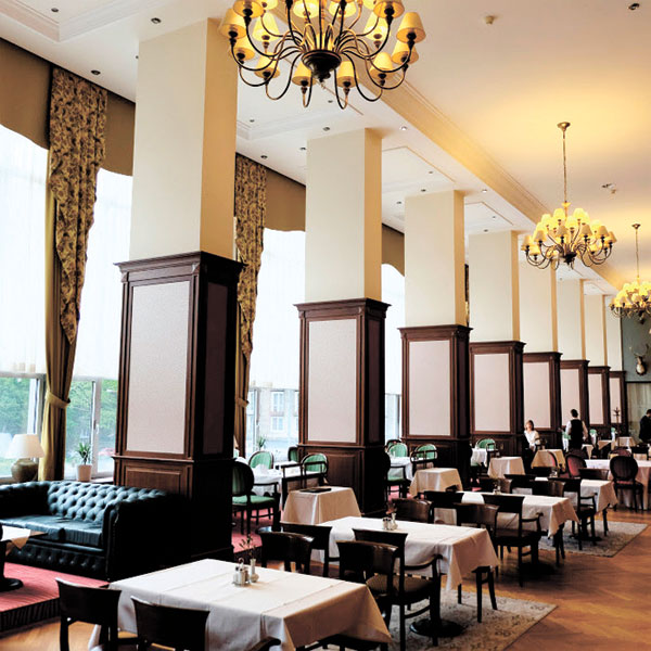 Restaurant at the Apollo Hotel