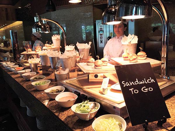 Sandwich-to-Go-Station