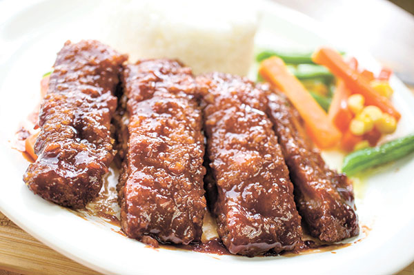 Their delicious best-seller BBQ Chops with Rice and Buttered Veggies for only P129. IKR!
