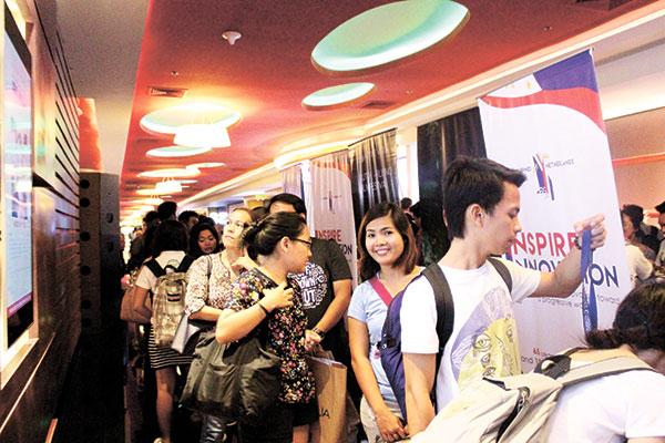 Viewers lining up for Dakila's Filipino-Dutch Film Festival