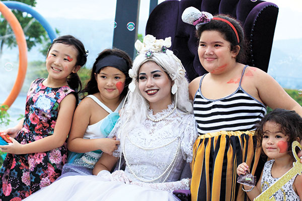 Alice with Sky Play's wonderful guests. (Ruel Rosillo)