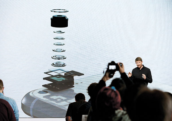 A Google executive talks about the camera in the new Google Pixel phone during a product event, in San Francisco. (AP PHOTO)