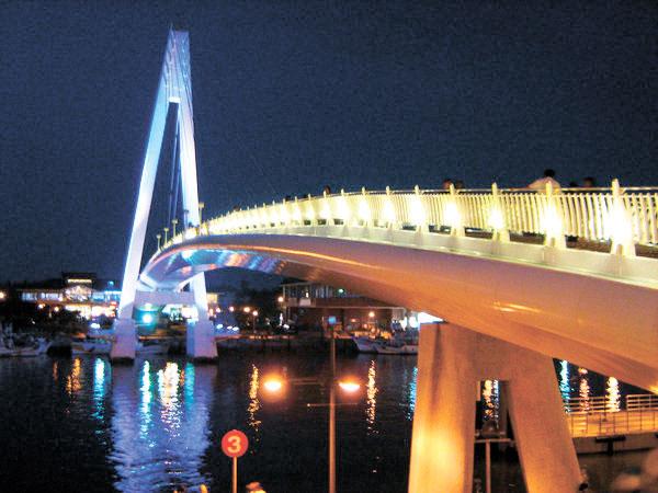 Walk bridge in the fishing town of Tamsui, Taiwan