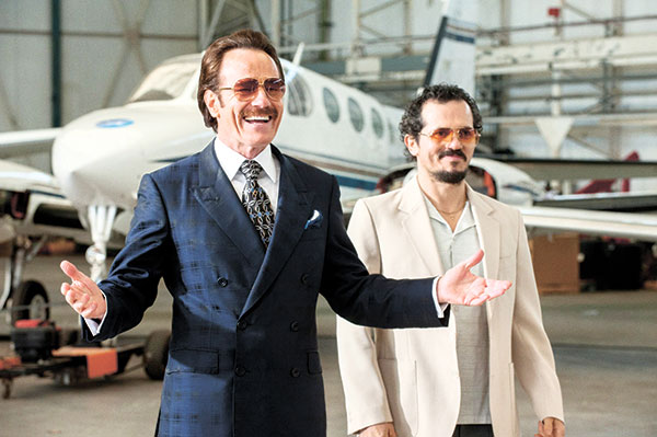 "In this image released by Broad Green Pictures, Bryan Cranston, left, and John Leguizamo appear in a scene from ""The Infiltrator."" (AP FOTO)"