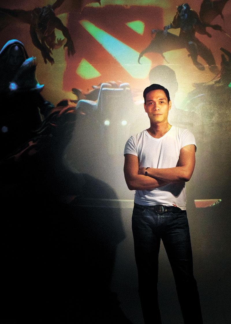 Genesis Raña, UVNS founder and school director